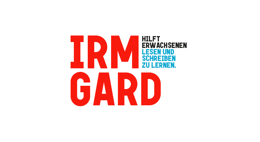 Text: Irmgard. Hilft Erwachsenen lesen und schreiben zu lernen.